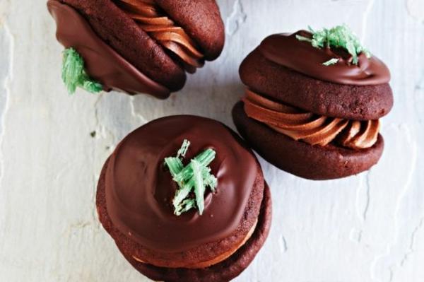 Recette whoopies - préparer les gâteaux sandwiches à la crème moelleuse whoopies au chocolat et à la menthe