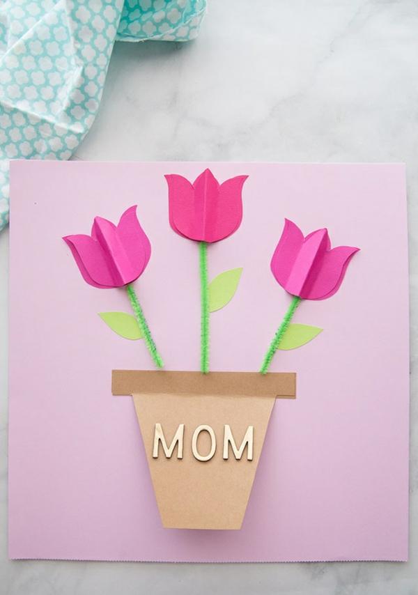 carte fête des mères en carton avec des tulipes diy