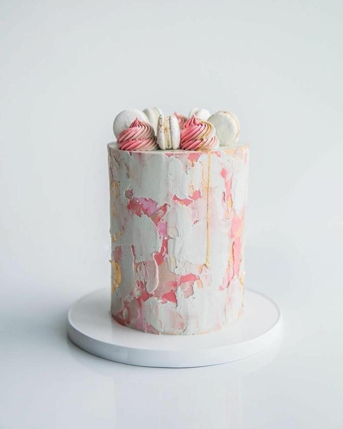 crème au beurre colorée pour un brushstroke cake gâteau de mariage