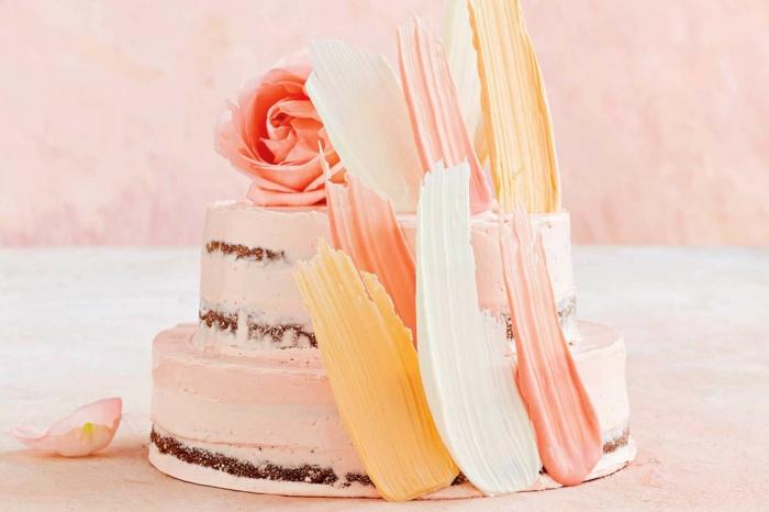 gâteau de mariage brushstroke et nu idée naked cake