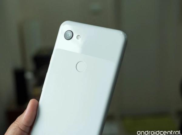 google pixel 3a fabriqué de polycarbonate