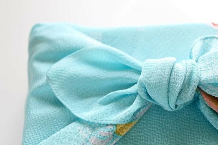idée-emballage-en-tissu-furoshiki-cuisine-zéro-déchet