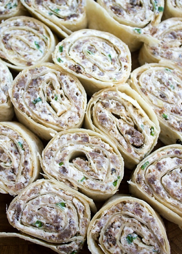 idée wrap apéro saucisse ail fromage crème oignons verts moutarde de dijon