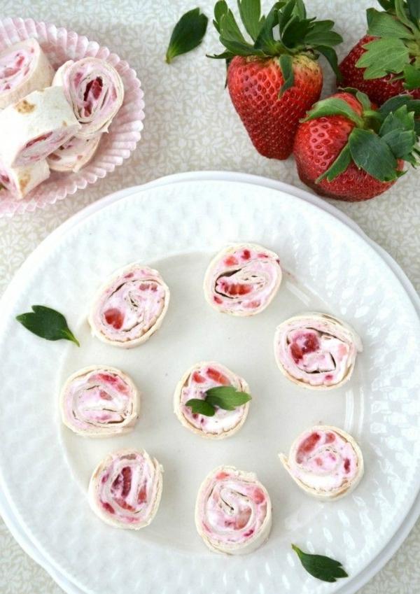 idée wrap apéro tortilla fraises crème fraîche