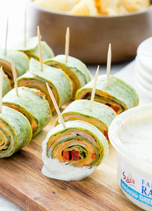 idée wrap apéro tortilla poivron rouge houmous cheddar