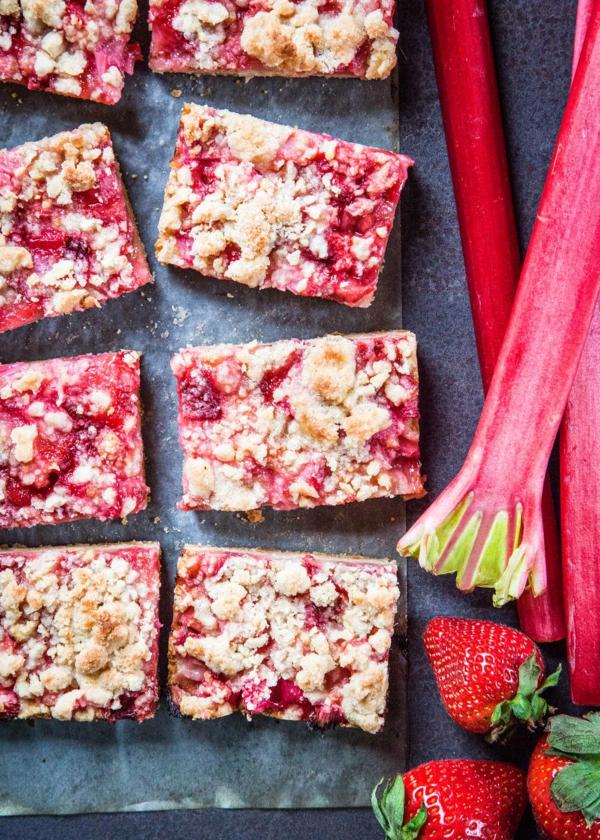 recette barres énergétiques à la rhubarbe et à la fraise