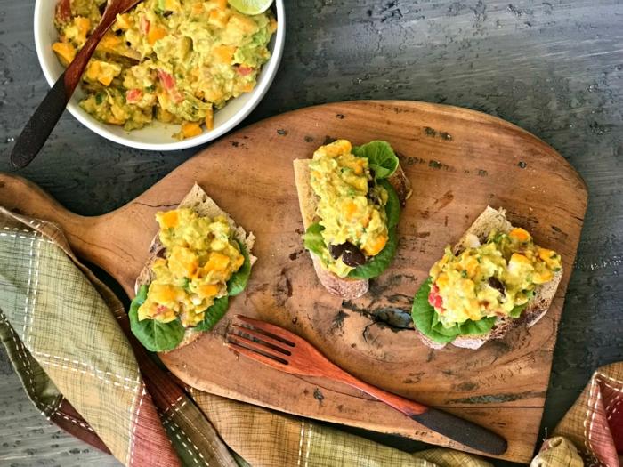 recette bruschetta à la mangue et avocat