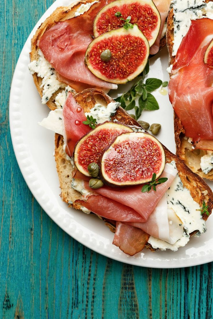 recette bruschetta aux figues, jambon et fromage