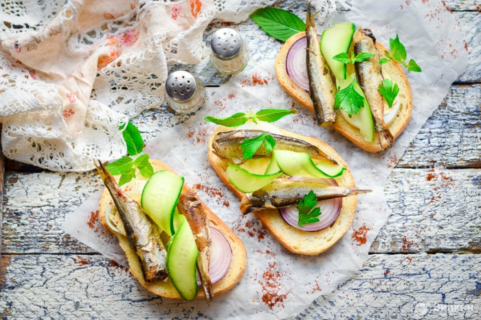 recette bruschetta aux sprats et concombre