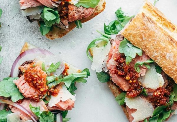 recette pesto rosso sandwitches rôti de boeuf salade verte parmesan pesto rosso