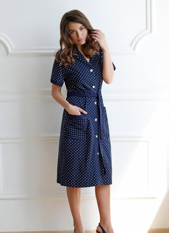 robe boutonnée devant ceinturée