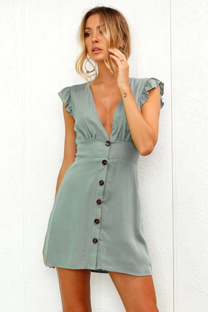 robe boutonnée devant courte