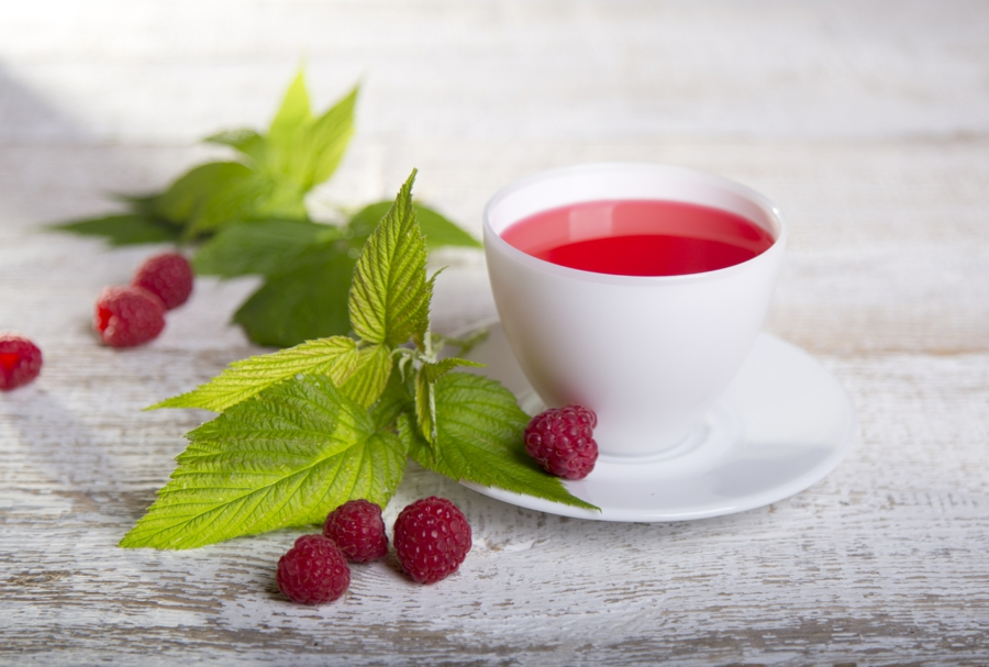 Raspberry leaf herbal tea - 8 health benefits
