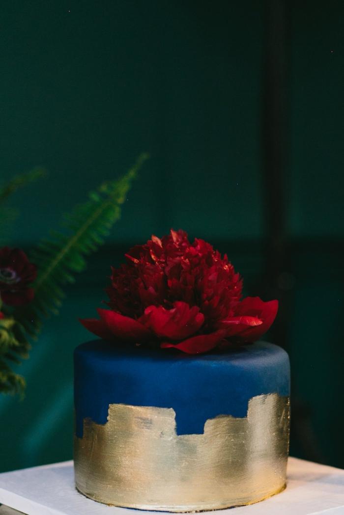 touche dorée gâteau de mariage 2019