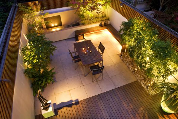 éclairage de jardin coin-repos et brise-vue