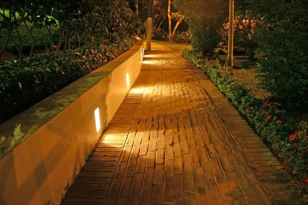 éclairage de jardin vous guider