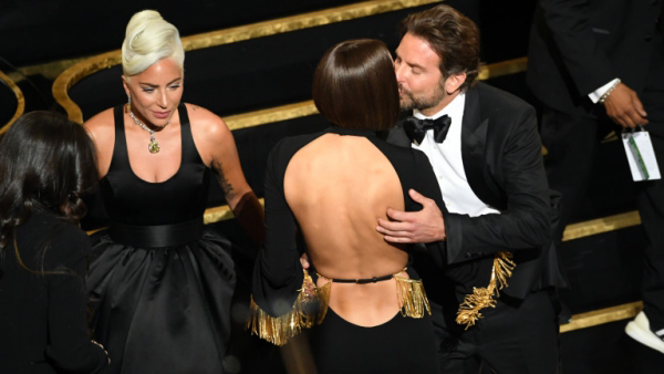 Bradley Cooper, Irina Shayk et Lady Gaga felicitations à Bradley