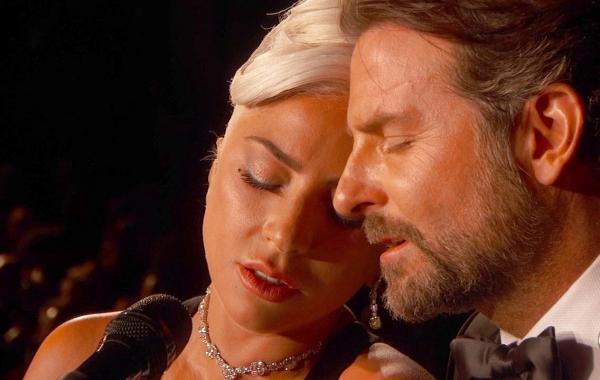 Bradley Cooper, Irina Shayk et Lady Gaga sentiments chaleureux