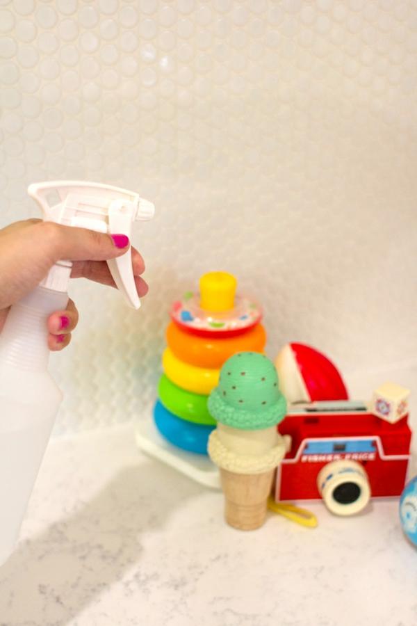 Eau oxygénée 20 utilisations dans la maison et le jardin nettoyer des jouets d'enfants