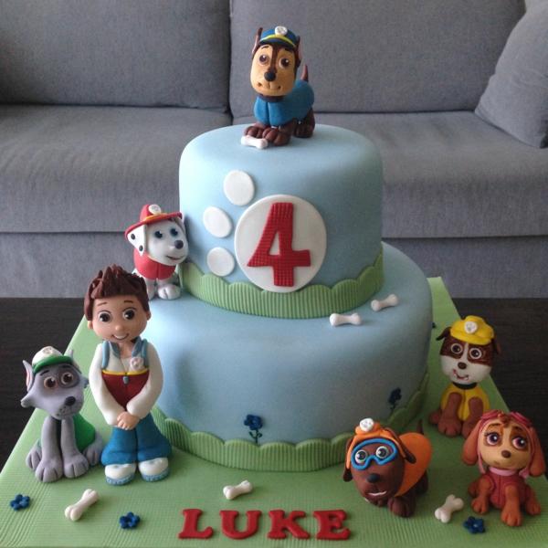 Gâteau Pat Patrouille - recettes et 50 idées de design gâteau au glaçage bleu pour garçon 4 ans paw patrol
