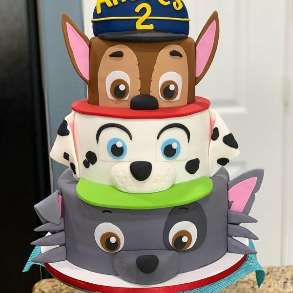Gâteau Pat Patrouille - recettes et 50 idées de design gâteau au glaçage paw patrol 3 étages