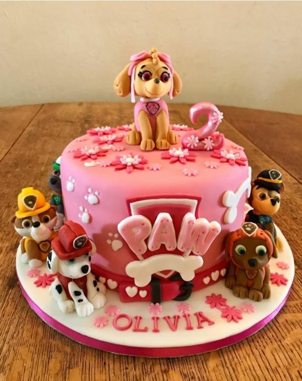 Gâteau Pat Patrouille - recettes et 50 idées de design gâteau glaçage pour anniversaire fille chiens en pâte à sucre