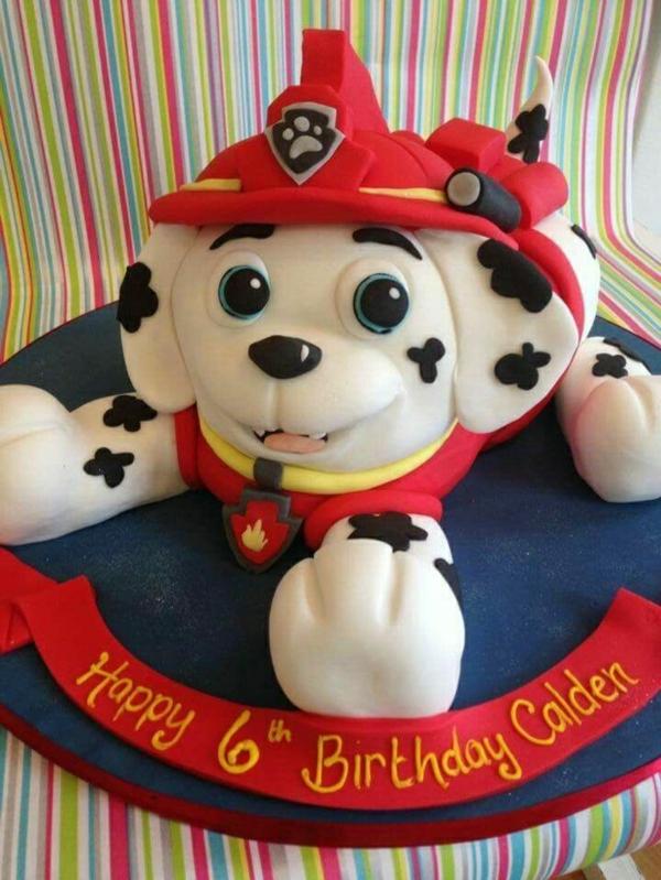 Gâteau Pat Patrouille - recettes et 50 idées de design gateau anniversaire garçon chien dalmatien pompier paw patrol