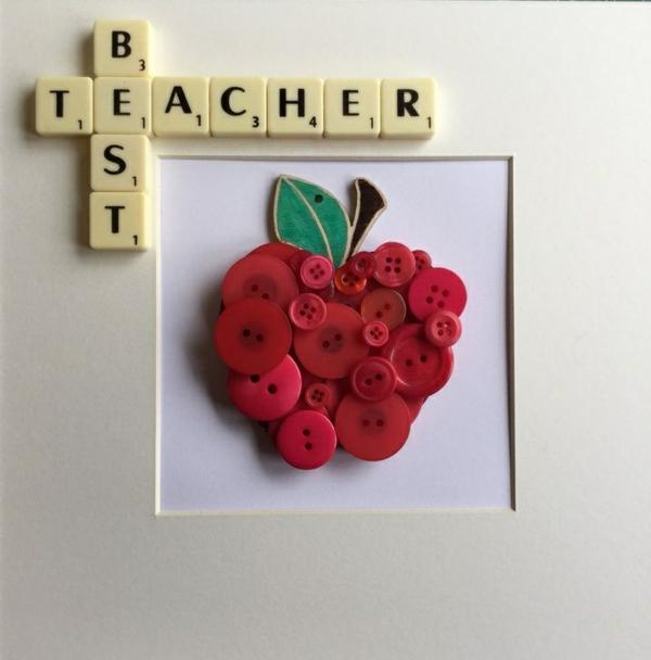 Idée cadeau maîtresse pour dire merci à la fin de l'année scolaire tableau boutons diy