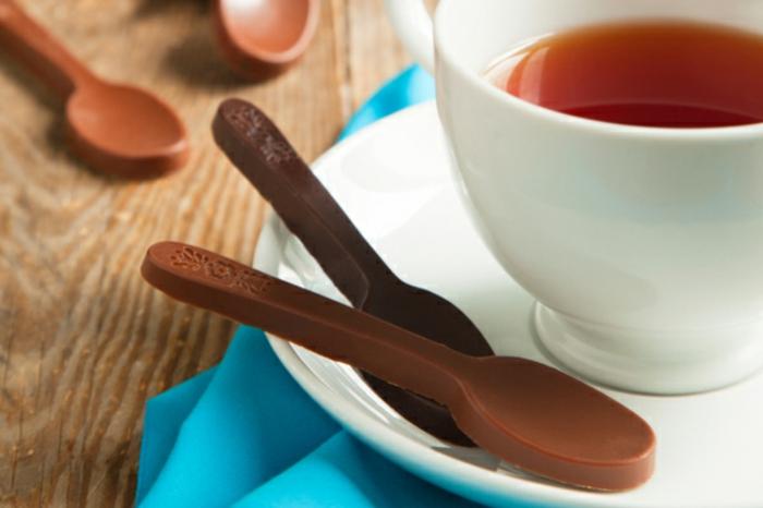 cuillère au chocolat idée vaisselle comestible