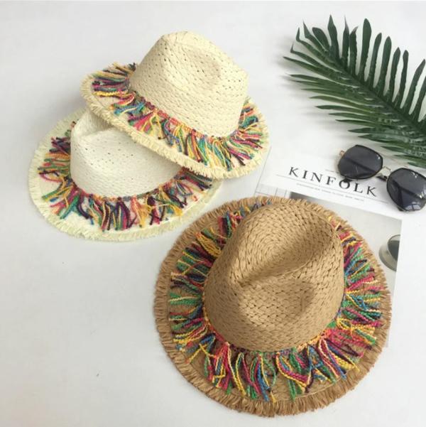 diy chapeau de paille personnalisé déco fils à tricoter colorés