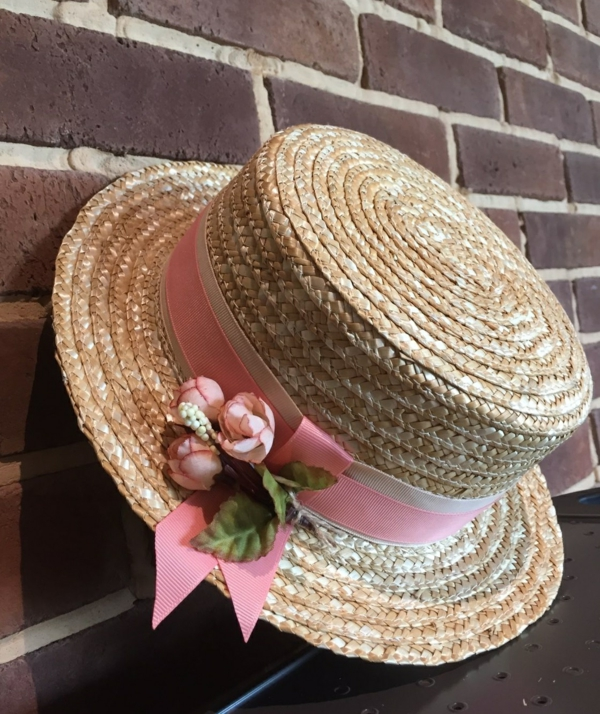 diy chapeau de paille personnalisé déco ruban décoratif roses artificielles