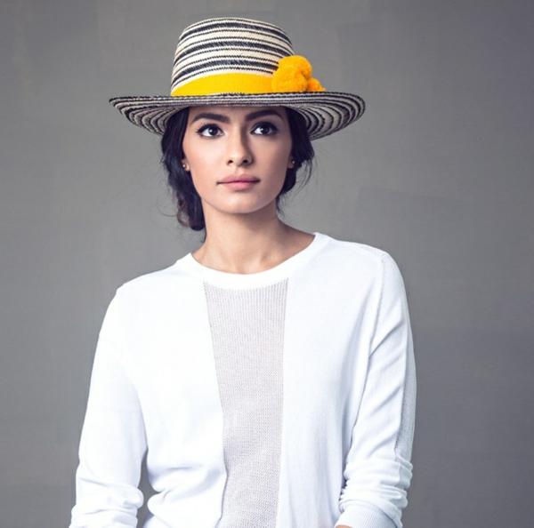 diy chapeau de paille personnalisé décoration pompons oranges ruban peinture