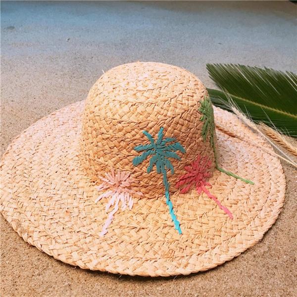 diy chapeau de paille personnalisé femme broderie