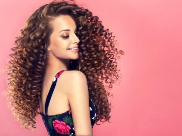 exfolier la peau pour de beaux cheveux