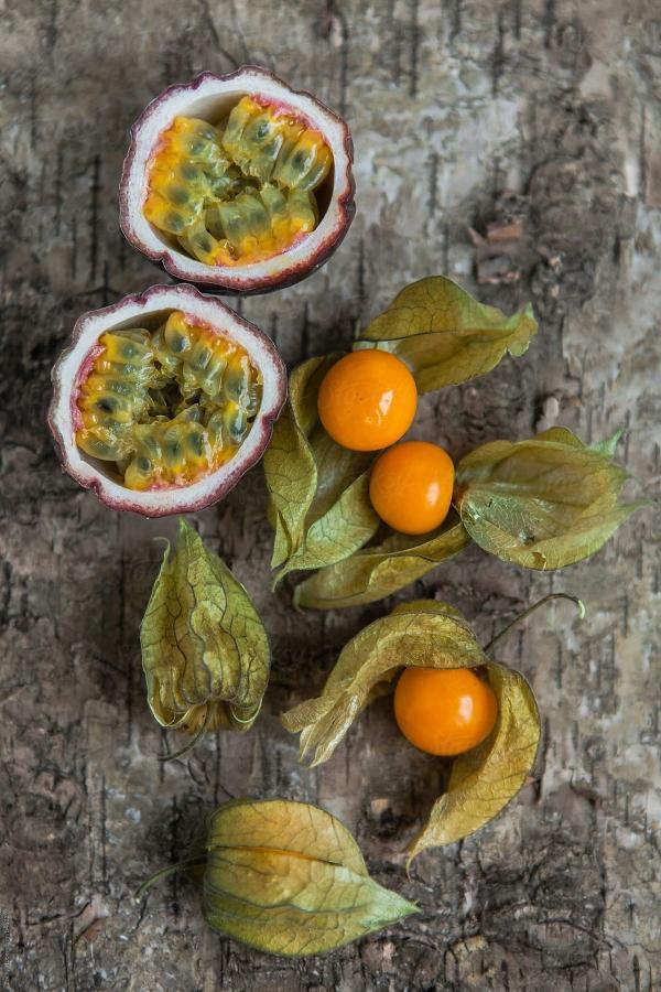 fruit physalis et le fruit de la passion