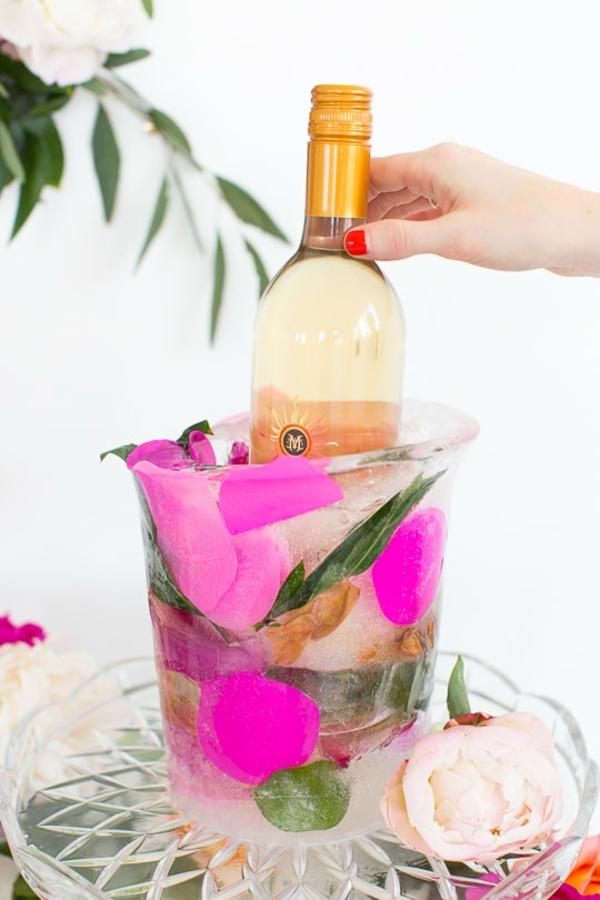 idée déco de table fête d'anniversaire seau à glace fleuri diy