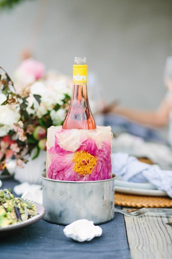 idée décoration de table seau à glace fleuri soirée entre amis
