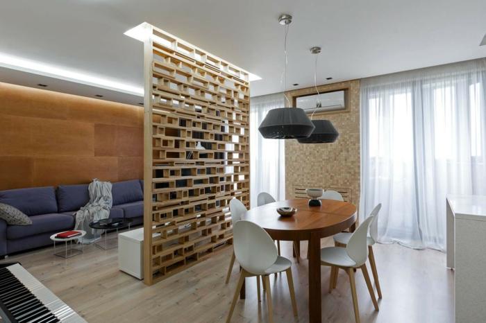 idée studui aménagement pratique avec un claustra en bois