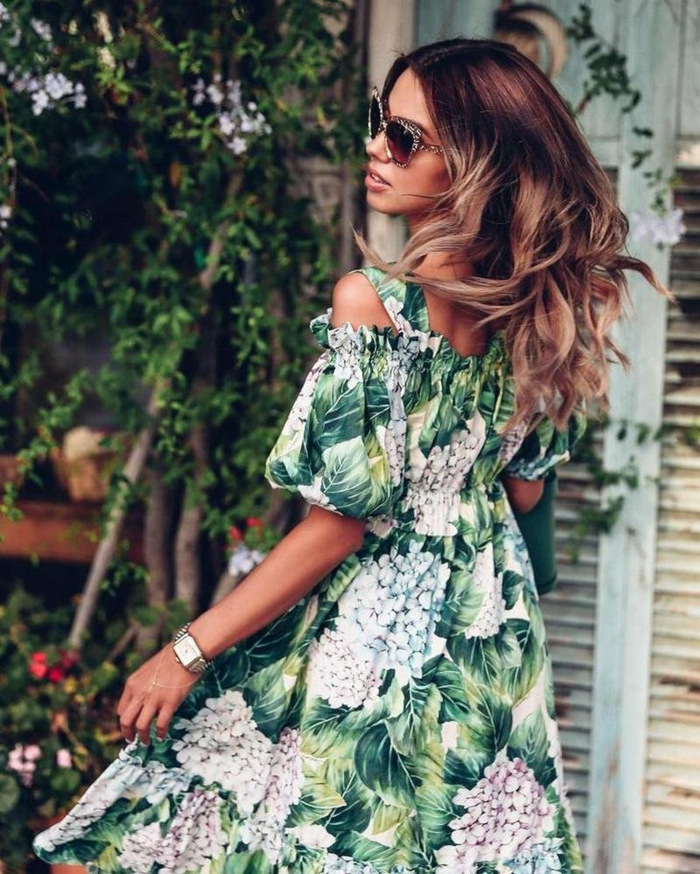 motif tropical robe estivale