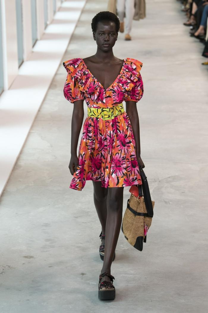 motifs floraux robe estivale