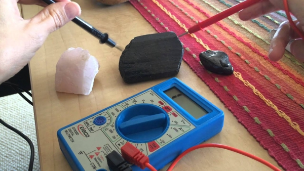 pierre shungite mesurer l'énergie