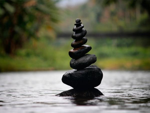 pierre shungite pyramide de pierres