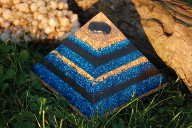 pyramide en shungite en orgone