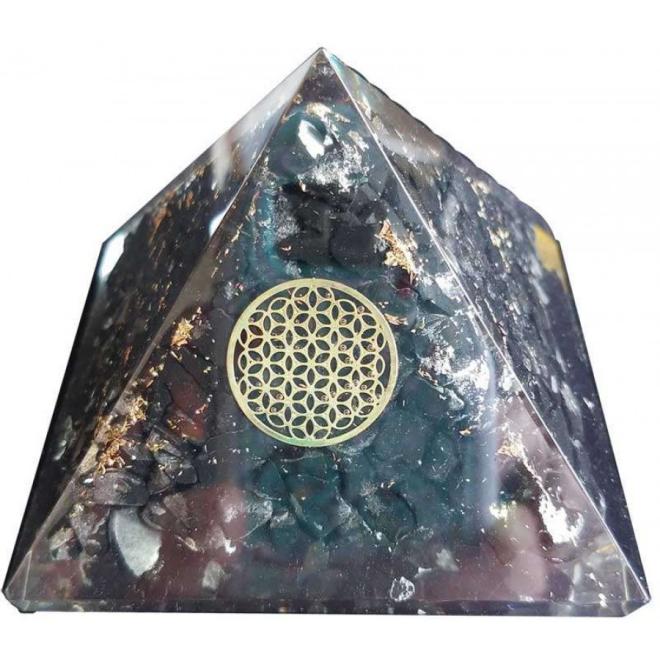 pyramide en shungite très belle