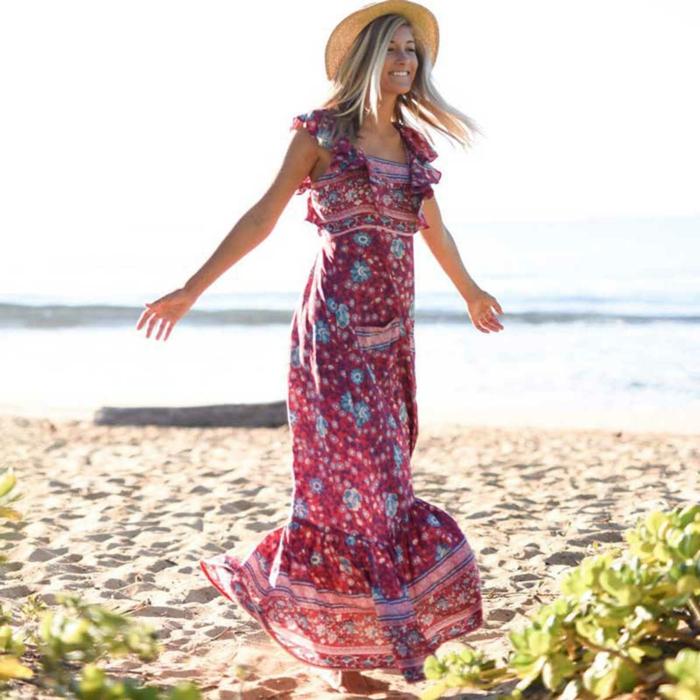 robe estivale et chapeau de pâille tendance 2019