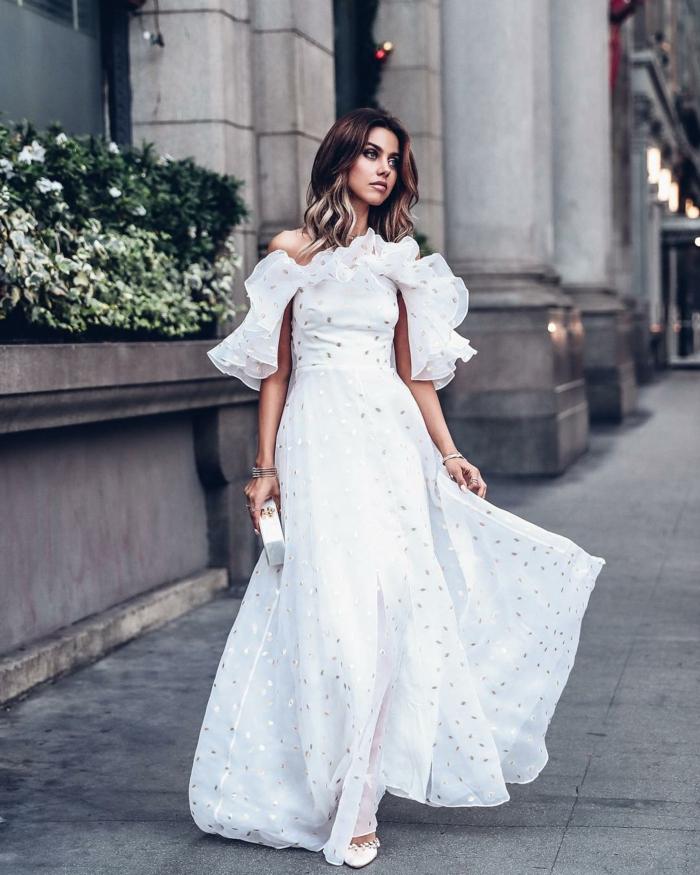 robe estivale stylée en blanc