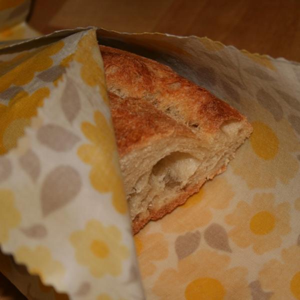serviettes de cuisine et emballage gâteau croustillant