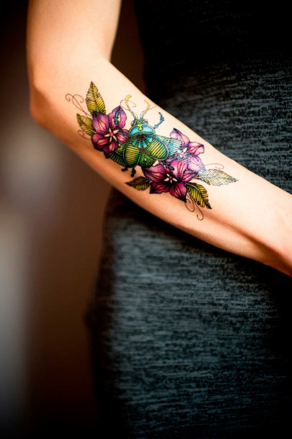tatouage éphémère à l'aérographe bras femme