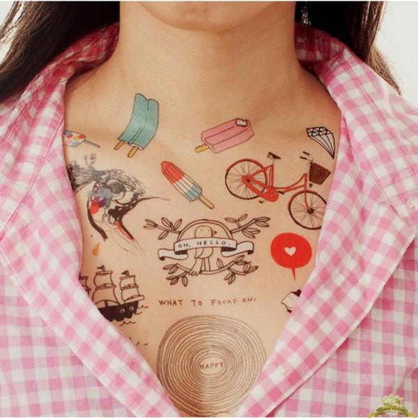 tatouage éphémère à l'aérographe poitrine femme