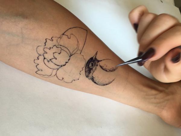 tatouage éphémère au jagua bras femme
